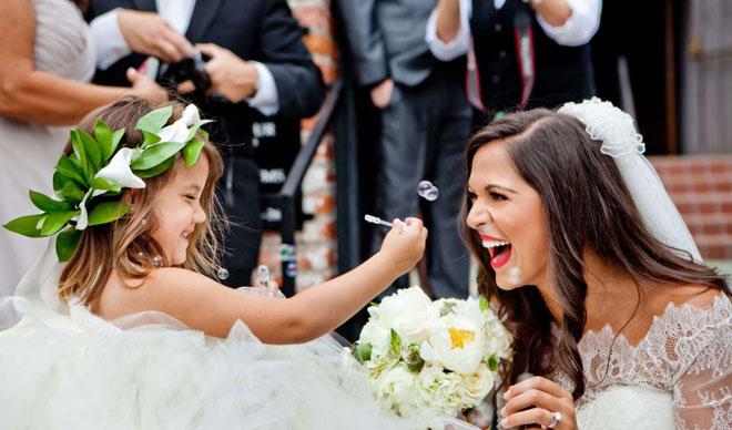 5_minik_gelin - Düğünün eğlenceli ve minik konukları ile çektirebileceğiniz düğün fotoğrafları