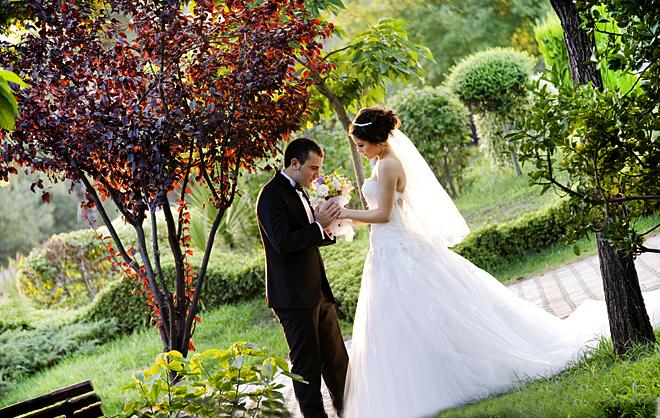7mehmet fatma ilbaysozu zubeydehanimparki - Doğa ile iç içe düğün fotoğrafları