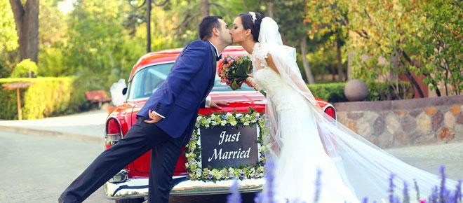 kır düğünü konsepti vintage gelin arabası fotoğrafları