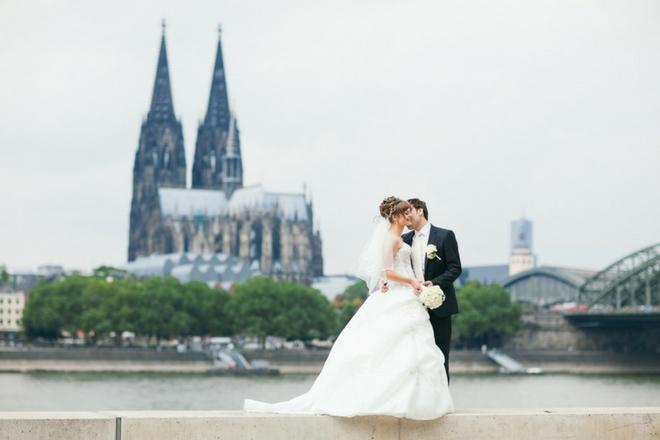 dqnckk0a6d9pjt4x - yabancı yetkili makam önünde evlenme