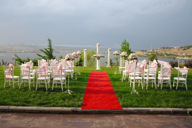 lrt4ux5zhvyrpi0p - ankara vilayetler evi'nde göl manzarası eşliğinde evlenin