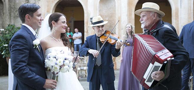 yılların eskitemediği nostaljik düğün giriş müzikleri