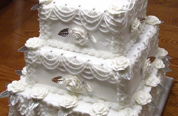 d577xtdvqylsojcq - kır düğünü hayal edip, düğün salonunda evlenenlerin anlayabileceği 10 şey!