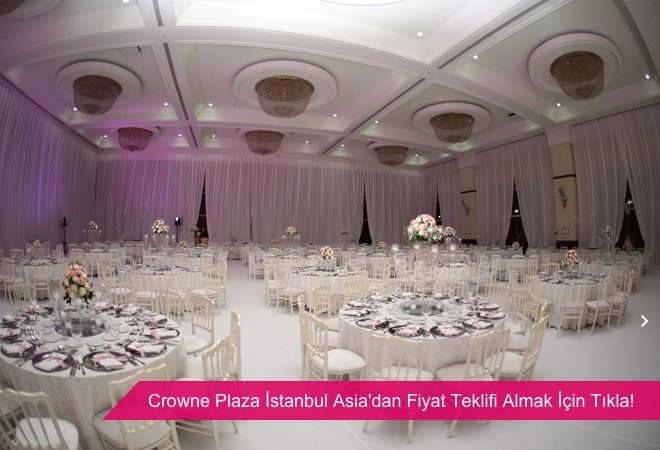 Crowne Plaza İstanbul Asia, kolonsuz, yüksek tavanlı ve kapalı düğün mekanı.