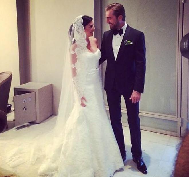 Engin Altan Düzyatan ve Neslişah Alkoçlar Evlendi!