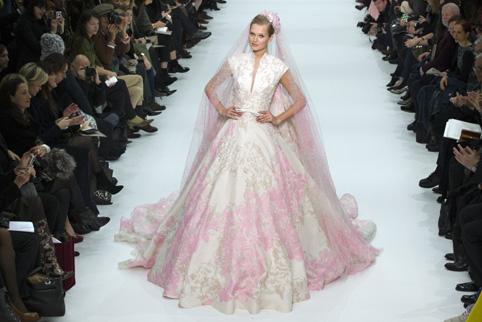 221564 paris haute couture fashion week 2012 - paris moda haftası'ndan gelinlikler