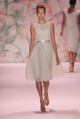 monique_lhuillier - new york fashion week'ten çarpıcı gelinlikler
