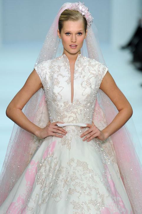 elie saab wedding gown spring 2012 - paris moda haftası'ndan gelinlikler