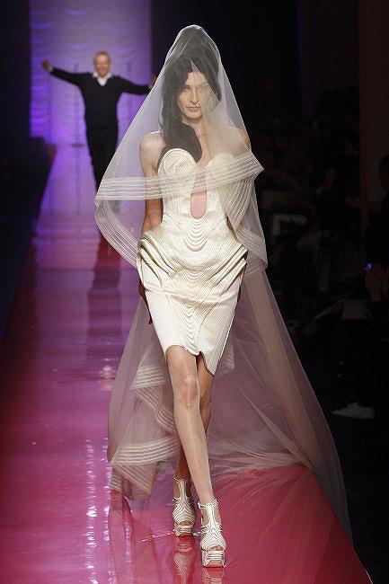 novias costura 01  a - paris moda haftası'ndan gelinlikler
