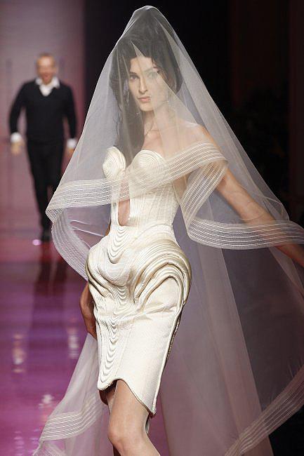 novias costura 02  a - paris moda haftası'ndan gelinlikler