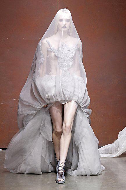 novias costura 17  a - paris moda haftası'ndan gelinlikler
