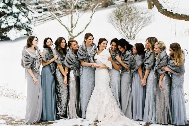 Kilisedeki düğün için elbiseler ne olmalıdır