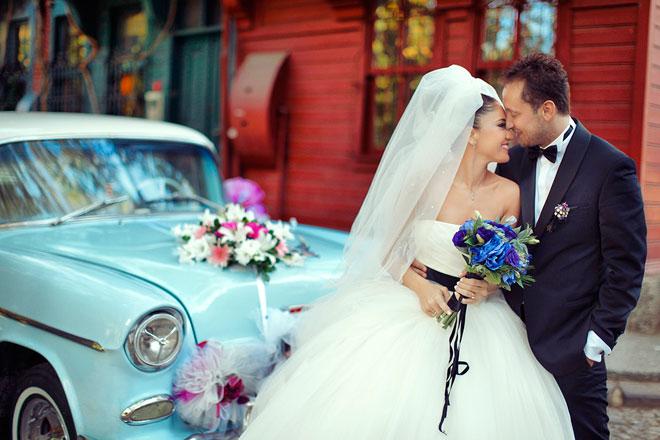 3 - Gelin arabası ile romantik gelin ve damat pozları