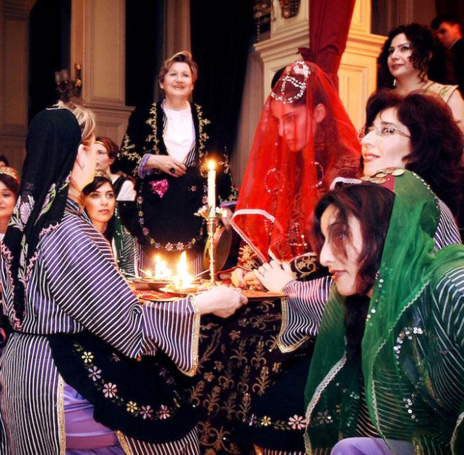 Gelinin düğünü: gelenek ve işaretler