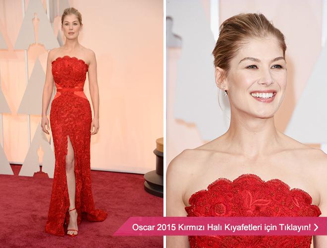 rosamund_pike - Oscar ödül töreninden kırmızı straplez abiye modeli.
