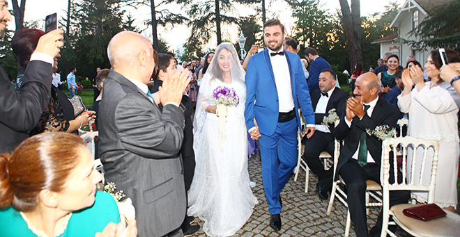 pannagiae6jjv2sh - ilkokul sıralarından nikah masasına: senem ve altay!