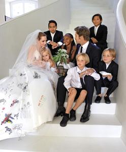 Brad Pitt ve Angelina Jolie Evlendi!