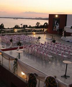 İzmir Körfezi Eşliğinde Benzersiz Düğünler