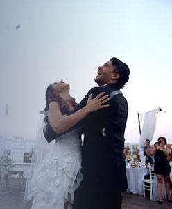 Almanya'dan İstanbul'a Bir Mutluluk Masalı: Ajda ve Emrah