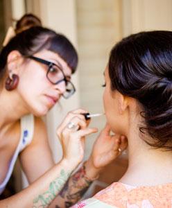 Gelinliğinize Uygun Saç ve Makyaj Tarzını Bulun