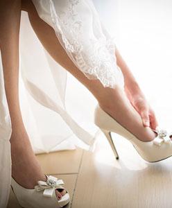 Düğün için çoraplar - gelinin gizemli aksesuarı