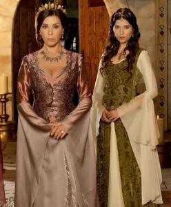 Bindallı Modelleri için Muhteşem Yüzyıl Sultanları'nın Kıyafetlerinden İlham Alın