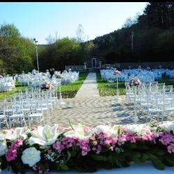 Düğün.com Çiftlerine Özel Cuma Günü Organizasyonları Kişi Başı 75TL'den Başlayan Fiyatlar!