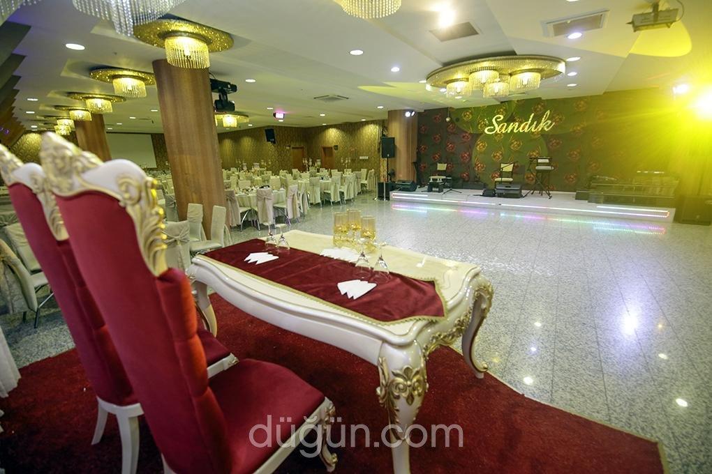 Sandık Kokteyl ve Düğün Salonu
