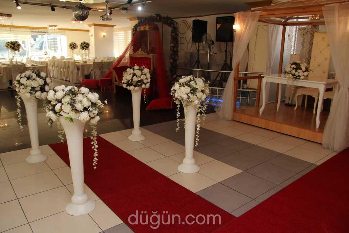 Beyaz Düğün Salonu