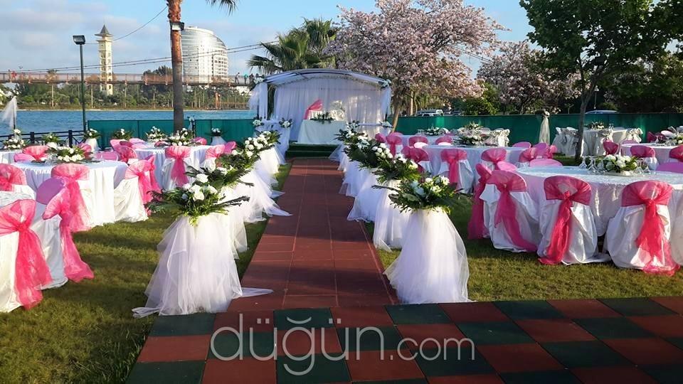 Sahil Kır Düğünü