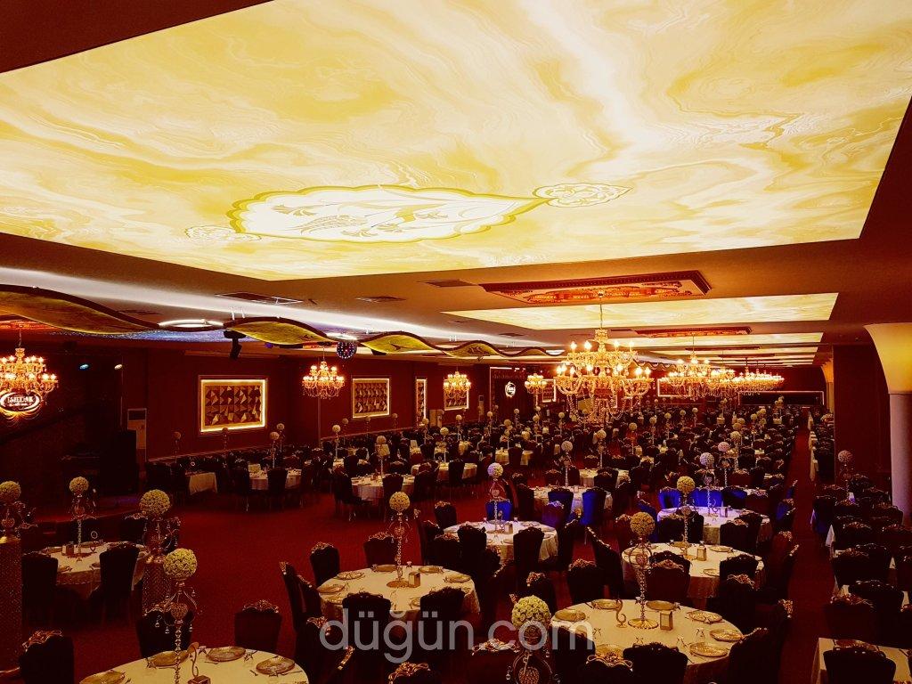 Işıldak Kültür Sarayı / Gold