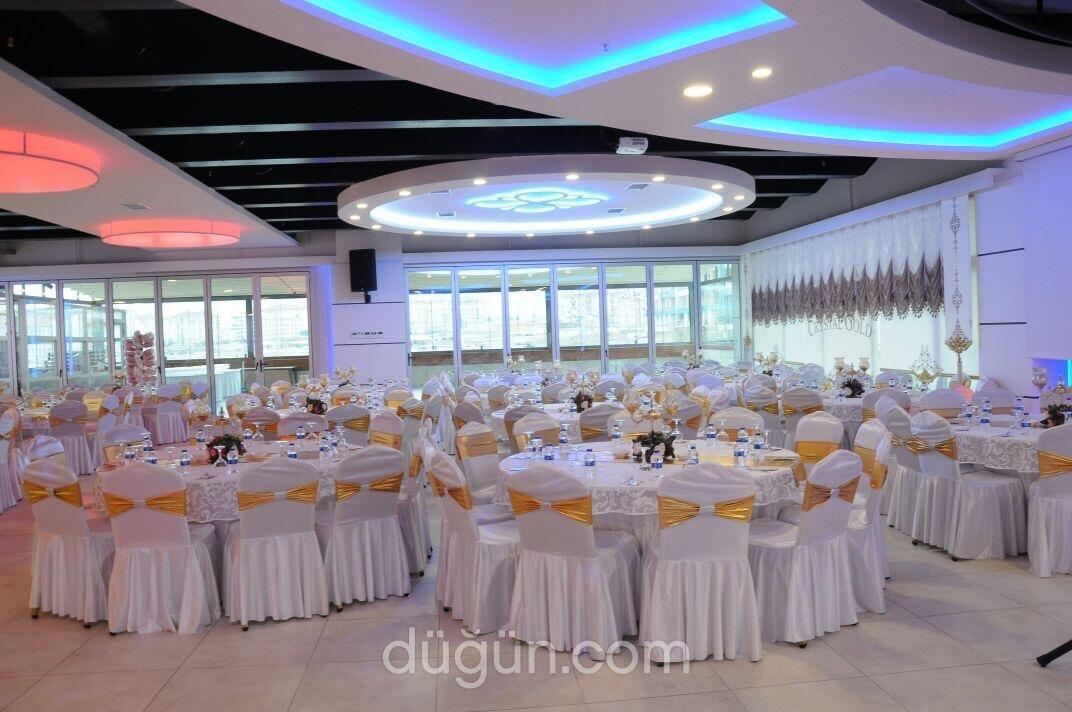 Crystal Gold Düğün ve Davet Salonu