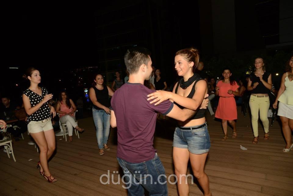 Bailamos Dans School