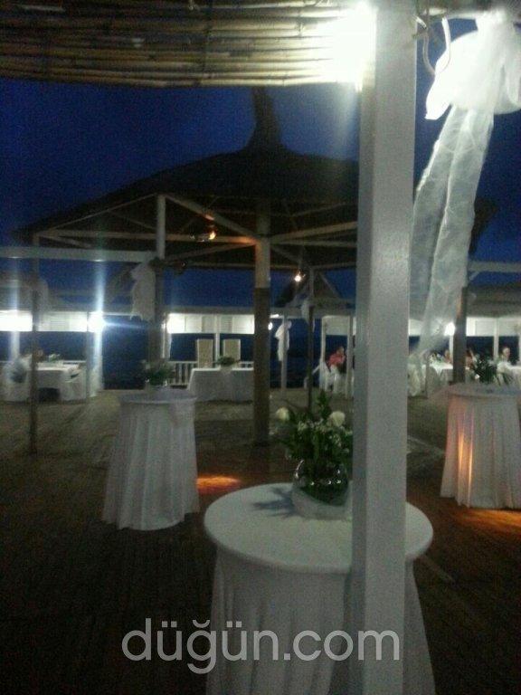 Lazlo Beach Club