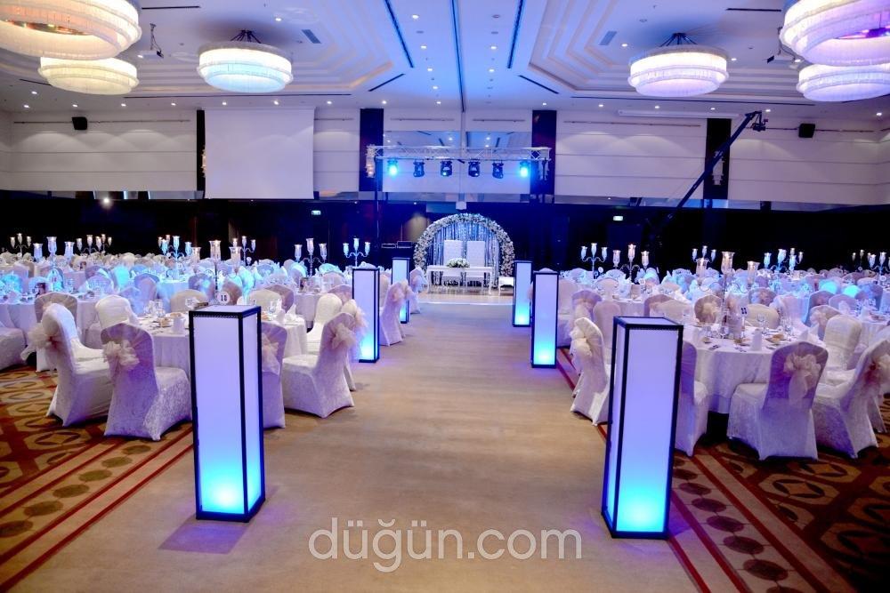 Titanic Business Kartal Hotel