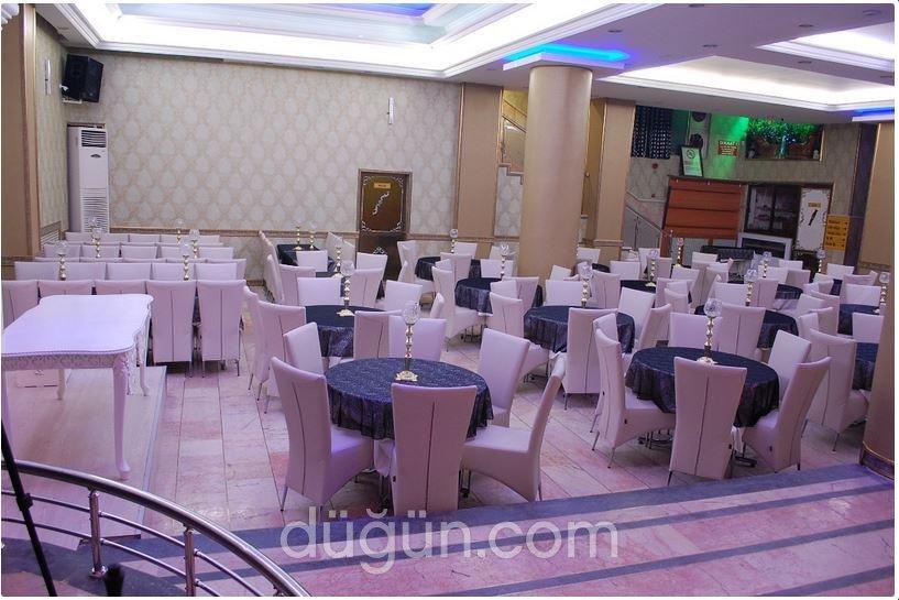 Özgümüşlüoğlu Düğün Salonu