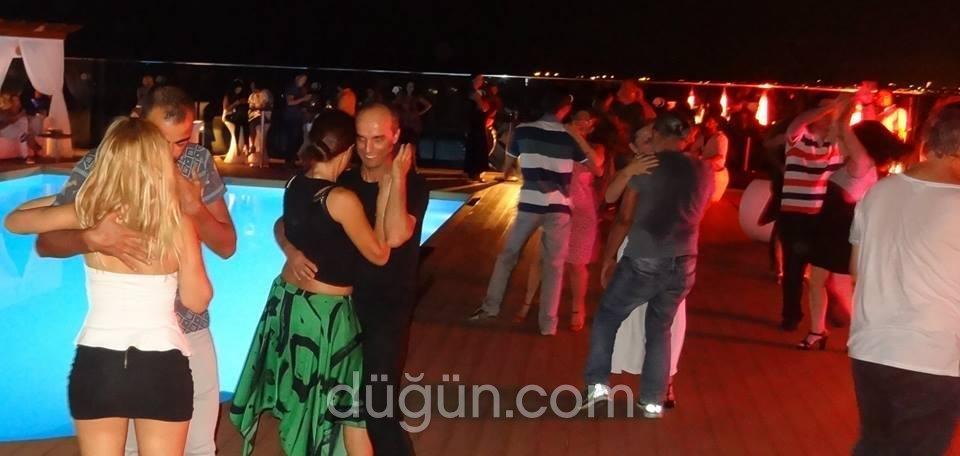 Salsa De La Noche Dans
