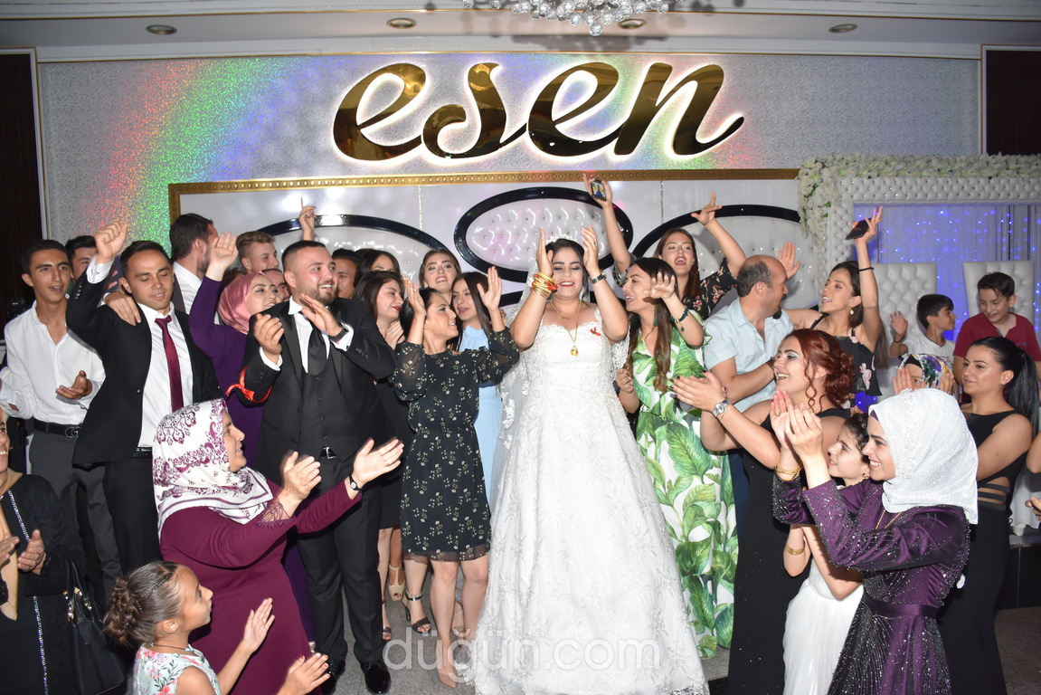 Esen Düğün Sarayları