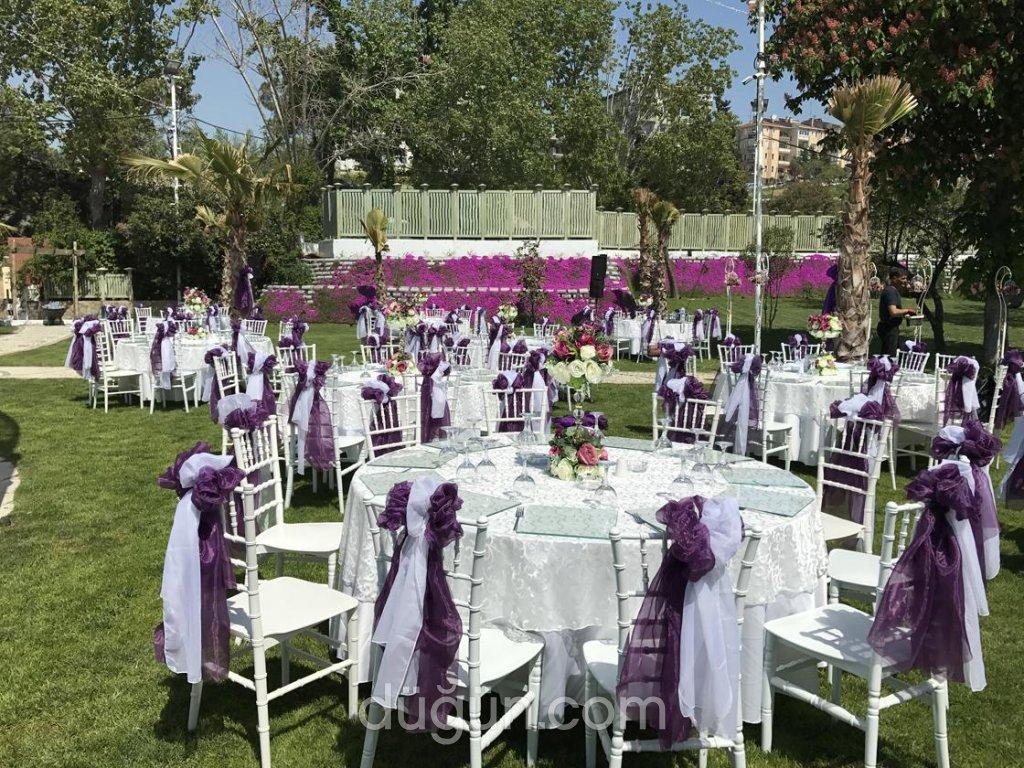 Baler Garden