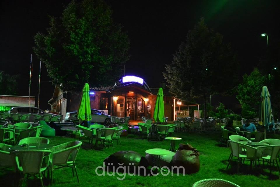 Faris Cafe Bistro