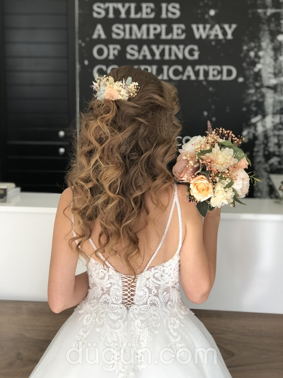 Yunus Çelik Hair Make Up Studio