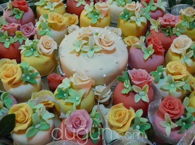 Arkadaş Pasta & Çiçek