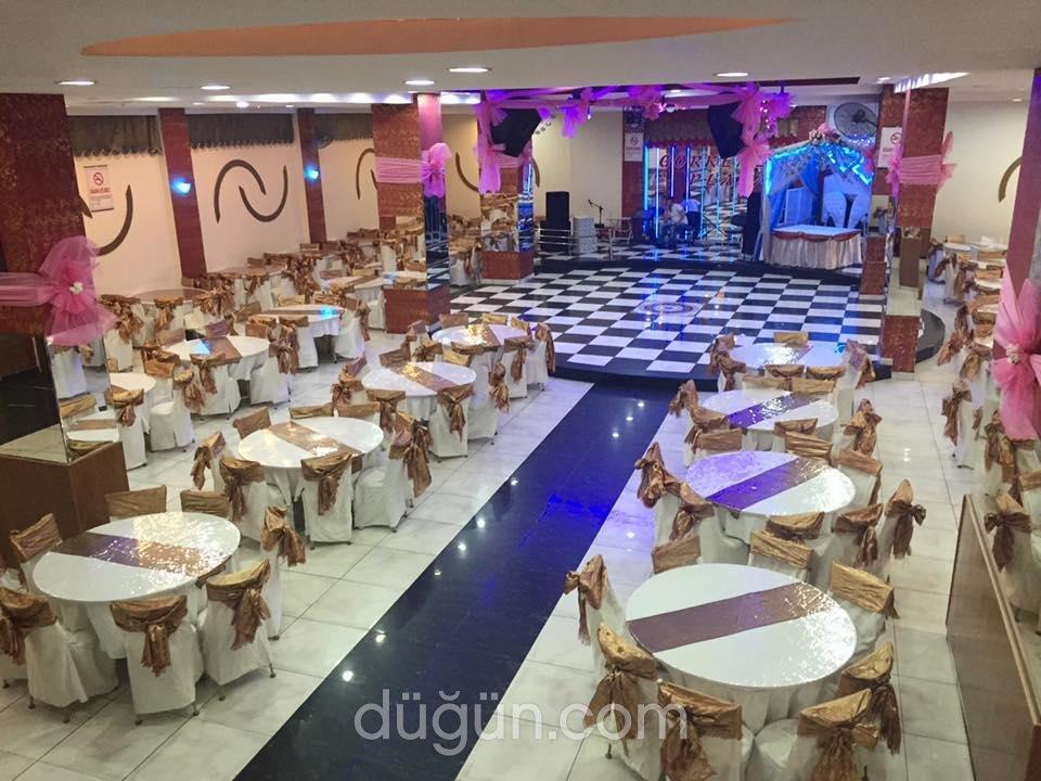 Görkemli Plaza