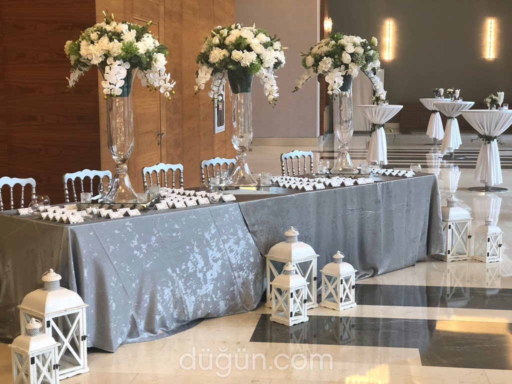 She Wedding & Events