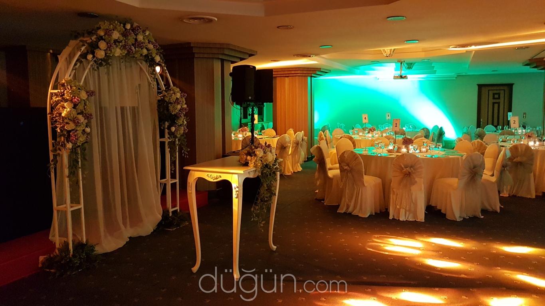 Düğün makineleri dekorasyonu: faydalı öneriler