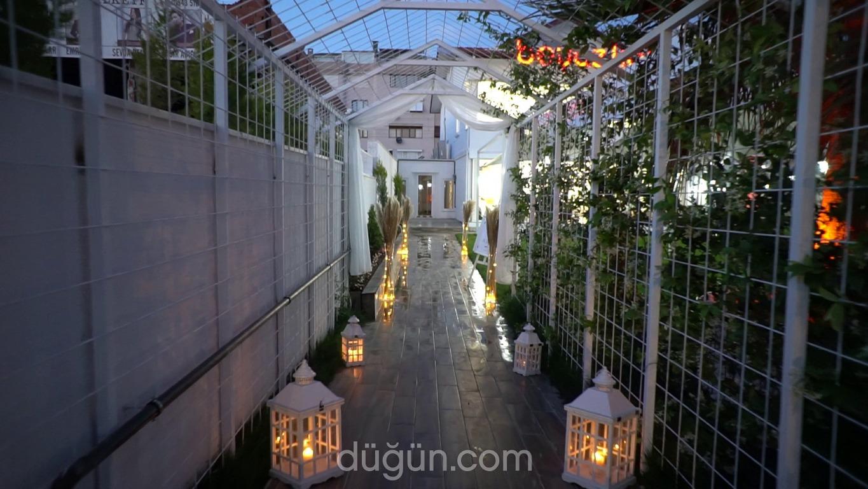Beyaz Köşk Garden