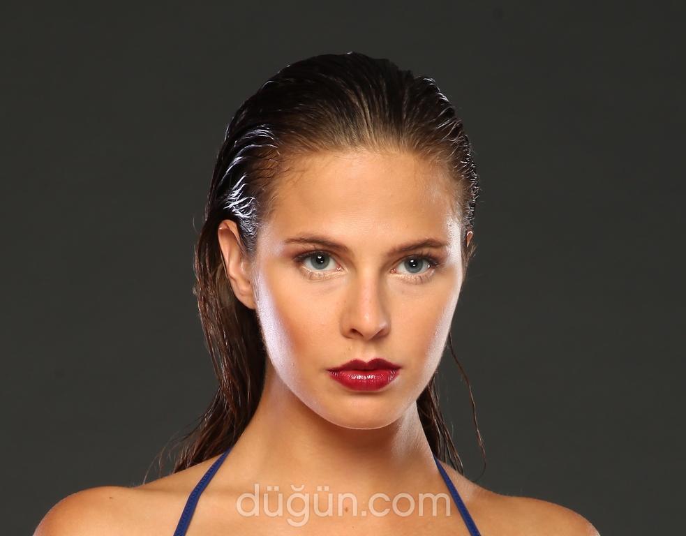 Makeup Nevin