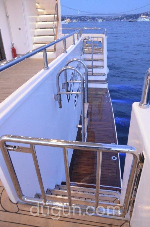 Beyaz Martı Davet Gemisi