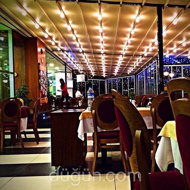 Woow Restaurant
