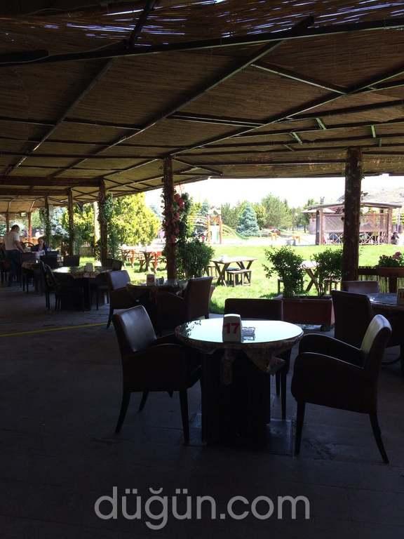 Çare Restaurant Kayseri Sofrası